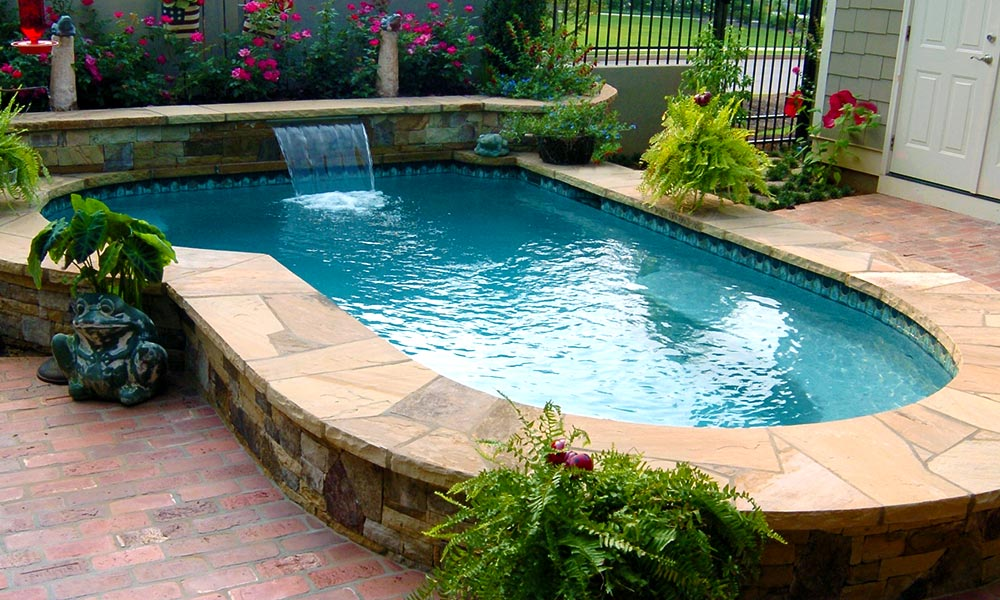 Above Ground Spool With Water Feature