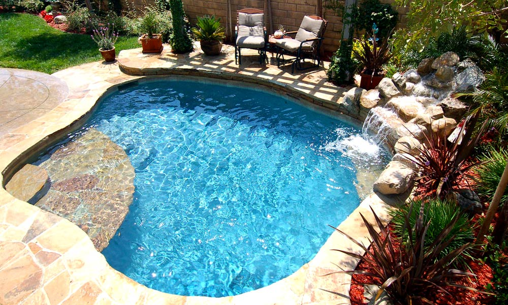 Spools swimming pools joy studio design gallery best for Small pool images